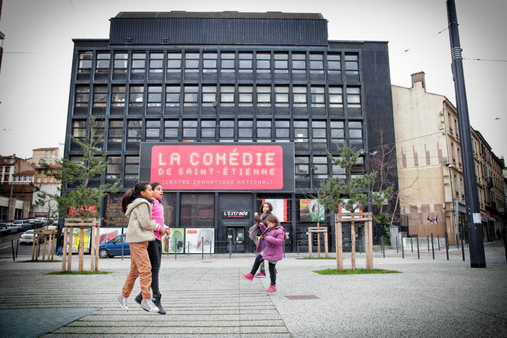 Elèves de Soleysel devant La Comédie en 2014